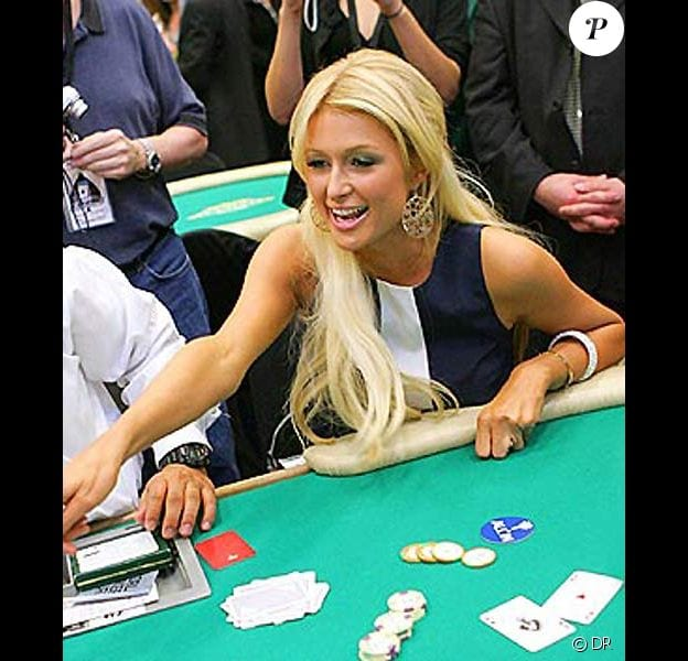 Paris Hilton gagne au blackjack
